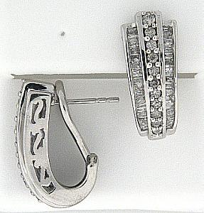 1.0 C.T.W Round and baguettes Diamond frech clip Earrings
