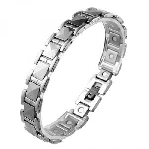 This Tungsten Carbide Bracelet has Magnets