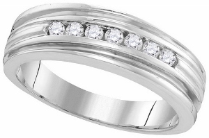 0.28 c.t.w Diamond Men's Band in 10 Karat White Gold