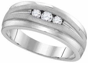 1/4 ctw Diamond Fashion Mens Band in 10 Karat White Gold.
