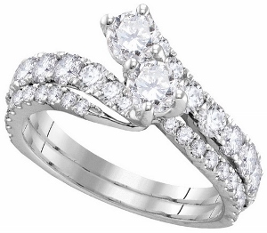 1.50 ctw Diamond Bridal Set with two 0.33 ct center stone each.