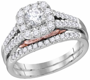 1 c.t.w Diamond Bridal Set With 0.33 c.t Center Round Diamond in 14 Karat White Gold.