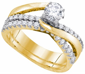 1 c.t.w Diamond Bridal Ring with 0.50 c.t Center in 14 Karat Yellow Gold.
